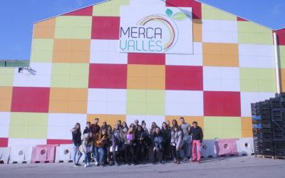 Visita al MercaVallès dels alumnes de dietètica
