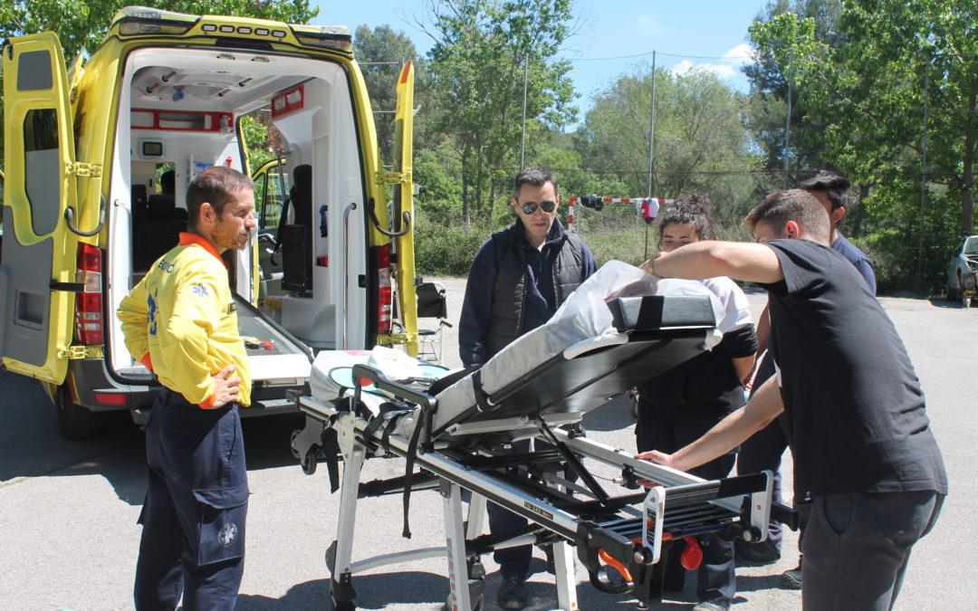 Taller d'emergències amb ex-alumnes del centre
