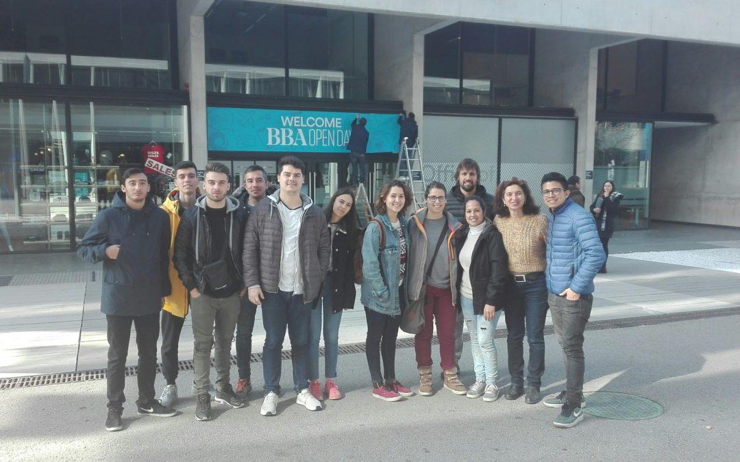 Sortida dels alumnes del cicle d'Edificació a FabLab (ESADE)
